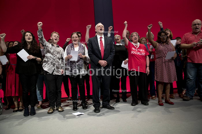 Jeremy Corbyn, Singing the Red Flag, Labour Party Conference, Liverpool - Jess Hurd - 2016-09-28