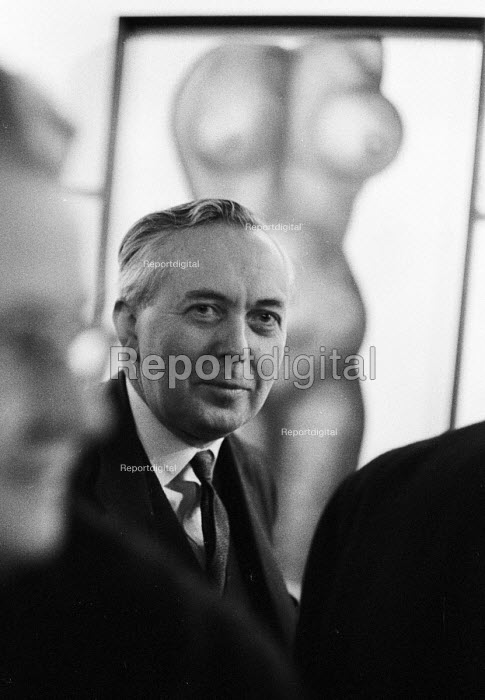 Wives of Westminster. Harold Wilson attending the Exhibition of paintings by the wives of Members of Parliament in aid of charity, Rayner MacConnal Gallery London 1963 - Alex Low - 1963-02-27