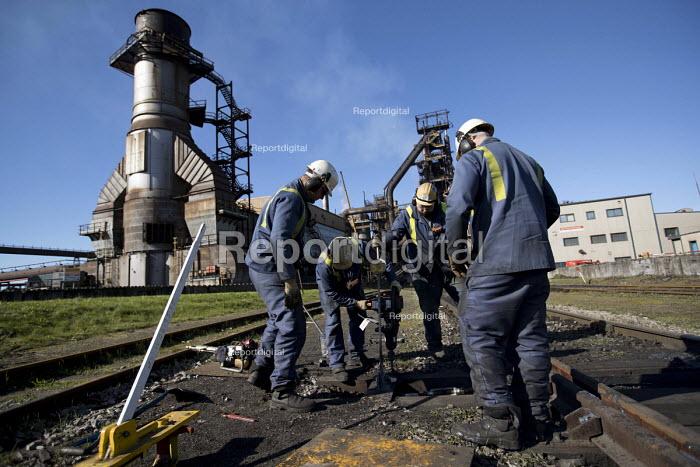Railway repairs at Tata Steel Port Talbot, South Wales. - Jess Hurd - 2016-09-22