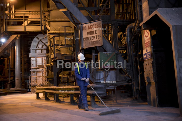 Zero hours, contract cleaner, Tata Steel Port Talbot, South Wales - Jess Hurd - 2016-09-23