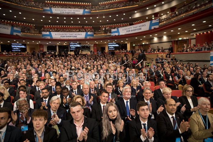 Applause for the new Workers Party. Conservative Party conference Birmingham. - Jess Hurd - 2016-10-05