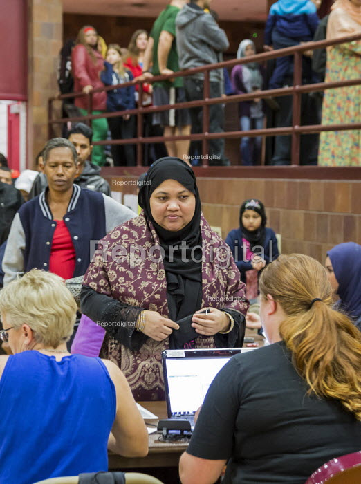 Michigan, USA 2016 Presidential election, voting at the Hamtramck Community Centre. The area has many immigrants mostly from the Middle East and South Asia - Jim West - 2016-11-08