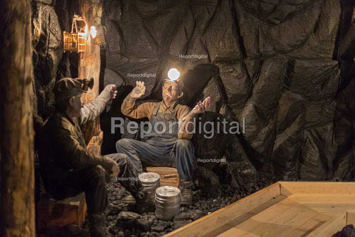 Leadville, Colorado - The National Mining Hall of Fame Museum, display showing miners eating lunch down a coal mine - Jim West - 2016-09-19