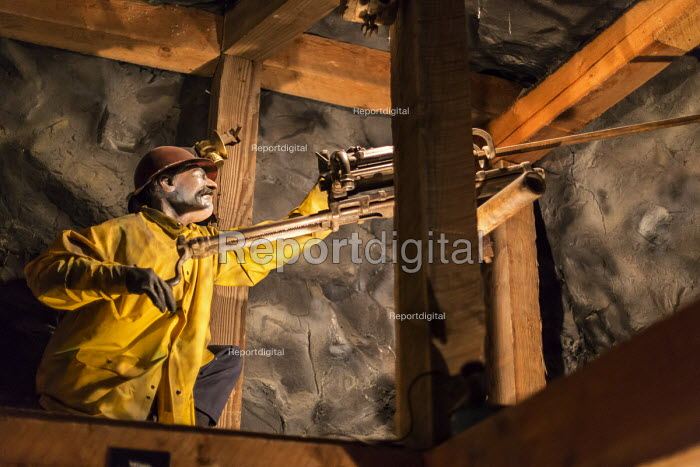 Leadville, Colorado, The National Mining Hall of Fame Museum, display showing a worker with a hand operated drill down a coal mine - Jim West - 2016-09-19