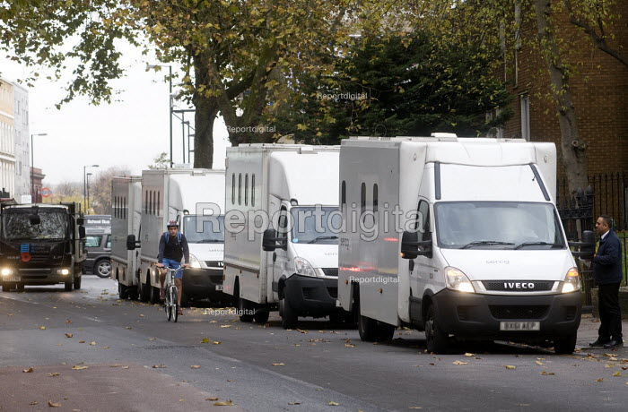 POA Prison Officers unofficial walkout, HMP Pentonville, London. Unable to legally strike, prison officers stage an unofficial 24 hour walkout in protest at the dangerous state of the Prison Service with only the minimum number of staff. SERCO vans carrying prisoners waiting to enter the prison - Stefano Cagnoni - 2016-11-15
