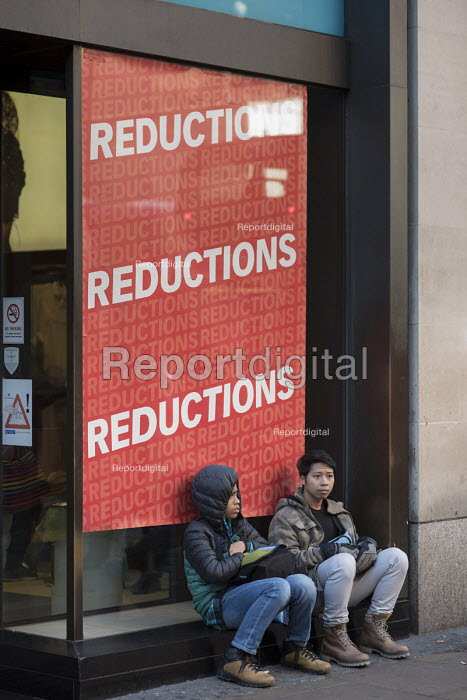 Black Friday shoppers outside a Primark store, Oxford Street, London. - Philip Wolmuth - 2016-11-25