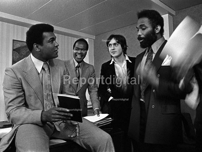 Muhammad Ali 1974 visiting Tulse Hill School, Brixton, London - Peter Arkell - 1974-12-02