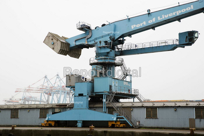 BMH Marine Grain terminal crane, Peel Ports, Port of Liverpool - Jess Hurd - 2016-09-28
