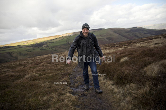 Kinder Scout trail in the Peak District, Derbyshire - Jess Hurd - 2017-02-24