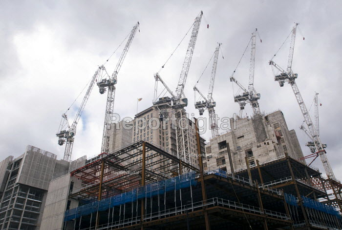 Cranes dotting the skyline on a major construction site on the old Shell building on the South Bank of London - Stefano Cagnoni - 2017-02-23