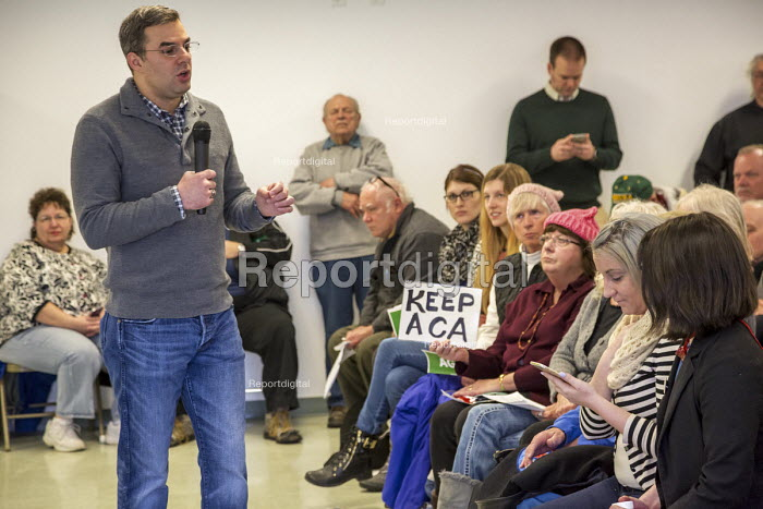 Hastings, Michigan USA. Opposition to Republican plan repeal of the Affordable Care Act. Republican Congressman Justin Amash holding a town hall meeting to hear from his angry constituents - Jim West - 2017-02-25