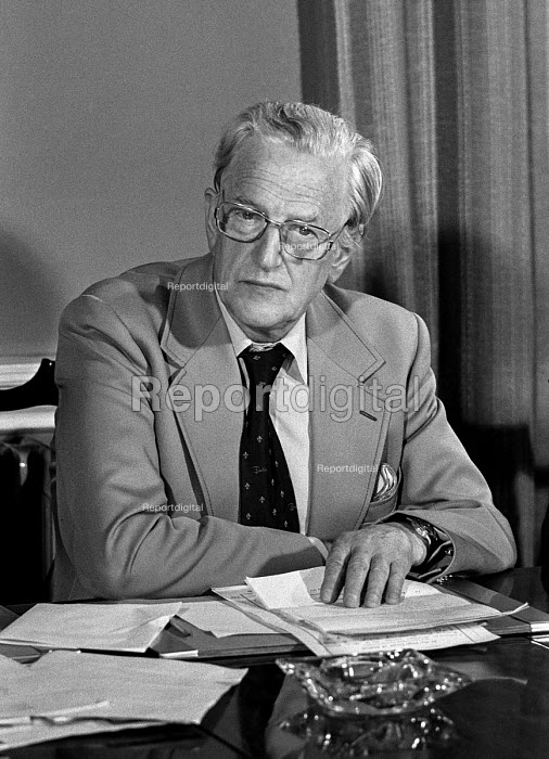 Peter Pears, tenor singer, partner of Benjamin Britten and interpreter of his work at the reading of Britten's will, 1977 - NLA - 1977-09-05
