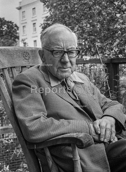 Historian, journalist and broadcaster A J P Taylor at home in London aged 71, 1977 - Peter Arkell - 1977-08-27