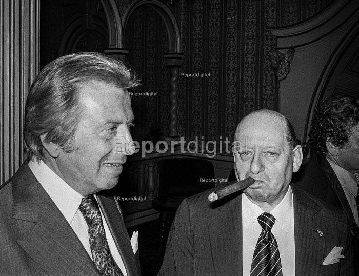 Impresarios Lew Grade (R) and Bernard Delfont at a press conference, London - Peter Arkell - 1977-09-01