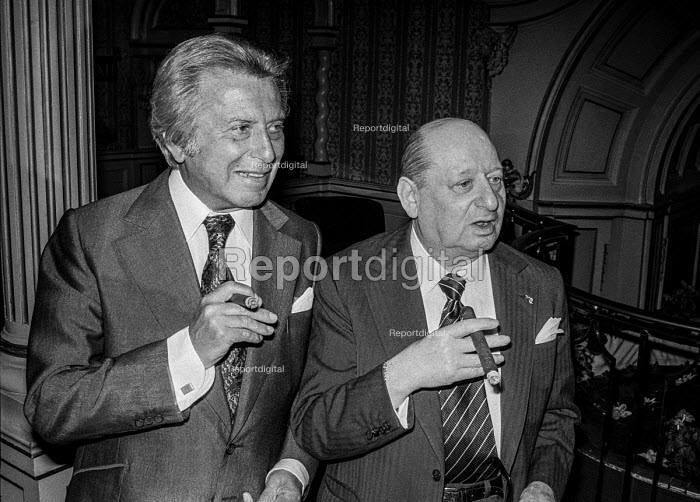 Impresarios Lew Grade (R) and Bernard Delfont at a press conference, London - Peter Arkell - 1877-09-01