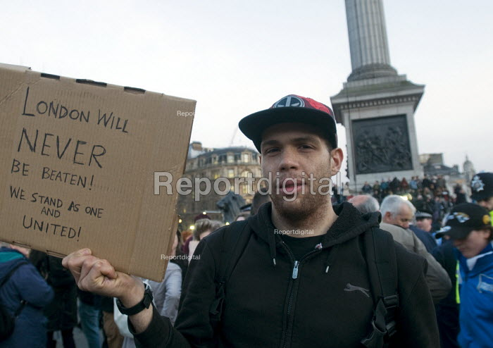 London Vigil Trafalgar Square in solidarity with the victims of the Westminster terrorist attack - Stefano Cagnoni - 2017-03-23