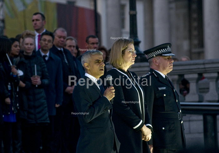 Candlelit London Vigil Trafalgar Square in solidarity with the victims of the Westminster terrorist attack, Mayor of London Sadiq Khan speaking with Home Secretary Amber Rudd MP and Acting Police Commissioner Craig Mackey - Stefano Cagnoni - 2017-03-23