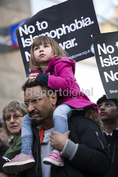 Unity Vigil Against Hatred and Division in response to the Westminster attacks called by Stand Up to Racism, Birmingham. - Jess Hurd - 2017-03-24