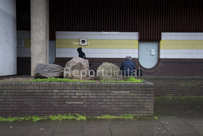 Unemployed sitting by the multi storey car park, Cheylesmore, Coventry - John Harris - 2017-03-30