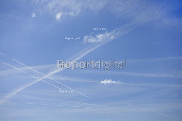 Contrails from passenger Jets in a blue sky, Warwickshire - John Harris - 2017-03-26