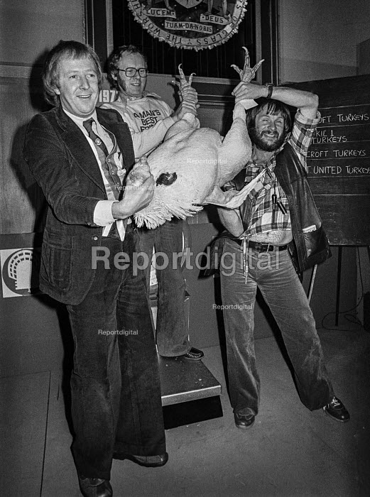 The Goodies (L-R) Graeme Garden, Tim Brooke-Taylor and Bill Oddie with a turkey. Press conference to publicise a new BBC 2 TV series - NLA - 1978-12-08