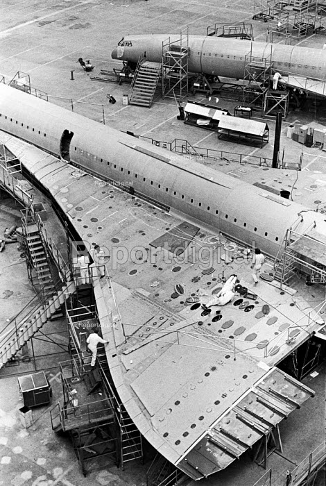 Assembling Concorde for BOAC, BAC Filton factory, Bristol - Peter Arkell - 1974-03-29
