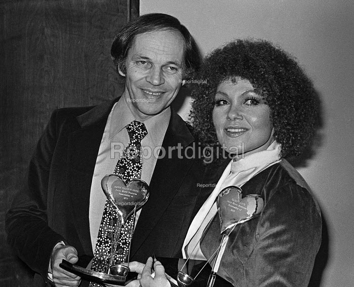 Johnny Dankworth with Cleo Laine. Joint Show Business Personality of the Year Award of 1977 - Peter Arkell - 1977-02-07