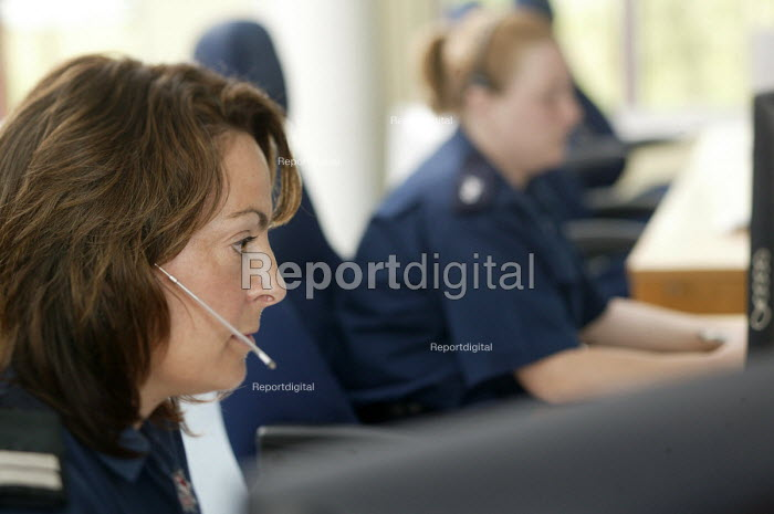 Control room operators traning, Avon Fire and Rescue South West Command Development Centre (SWCDC), Lansdown near�Bath, a high tech centre for command training and incident simulation - Paul Box - 2008-06-06