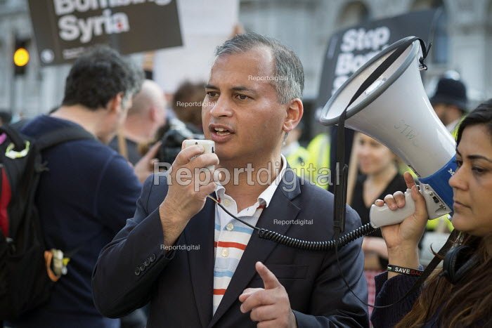 Murad Qureshi, Stop The War Coalition, Stop Bombing Syria protest, Downing Street, London - Philip Wolmuth - 2017-04-07