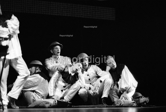 Cast singing Far, Far from Wipers I Long To Be, Theatre Workshop production of Oh What A Lovely War ! directed by Joan Littlewood at Theatre Royal Stratford East 1963. From L to R: Larry Dann, John Gower, Murray Melvin, Brian Murphy & Colin Kemball - Romano Cagnoni - 1963-03-19