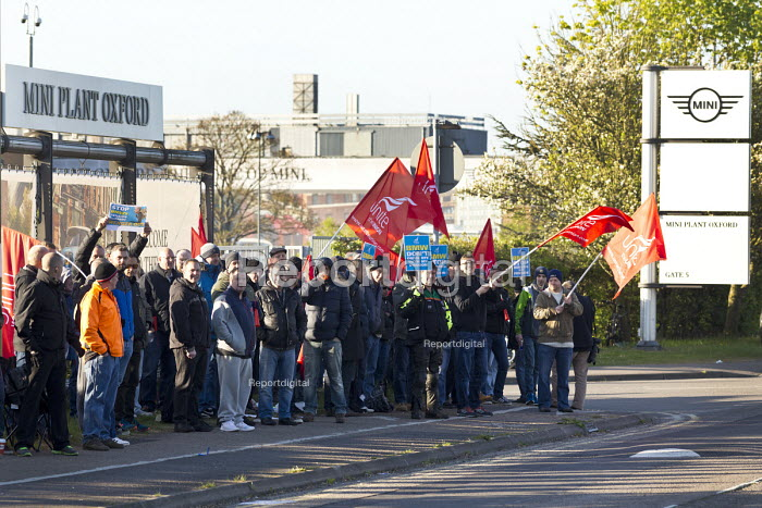 Cowley Oxford BMW workers at the Mini factory on strike against the closure of the final salary pension scheme. It is the first ever strike at BMW with Unite the Union organising a series of one day strikes. - John Harris - 2017-04-19
