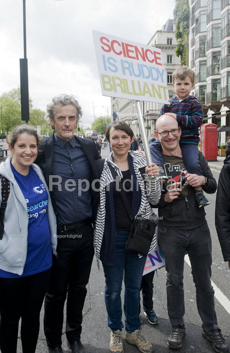 Actor Peter Capaldi, Dr Who in television series. March For Science, London. International protest on Earth Day against global political questioning of facts and for protection of the environment - Stefano Cagnoni - 2017-04-22