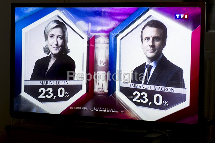 Marine le Pen National Front (FN) presidential election candidate and Emmanuel Macron candidate for En Marche! level in the opinon polls at 23 - Laurent Cerino - 2017-04-23