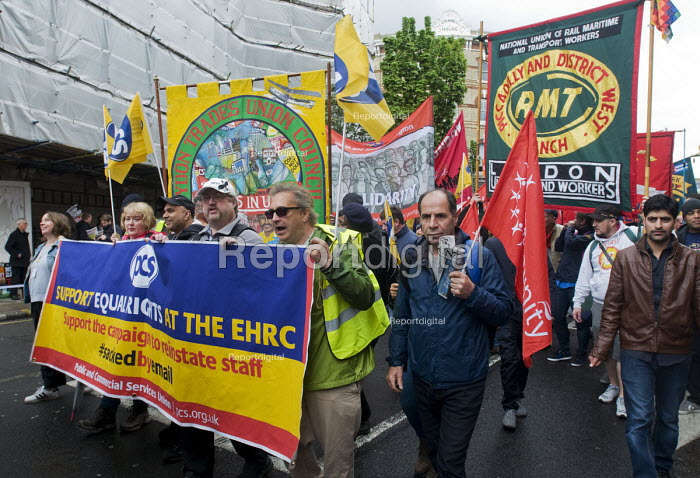 2017 May day Demonstration London PCS and RMT members on the march - Stefano Cagnoni - 2017-05-01