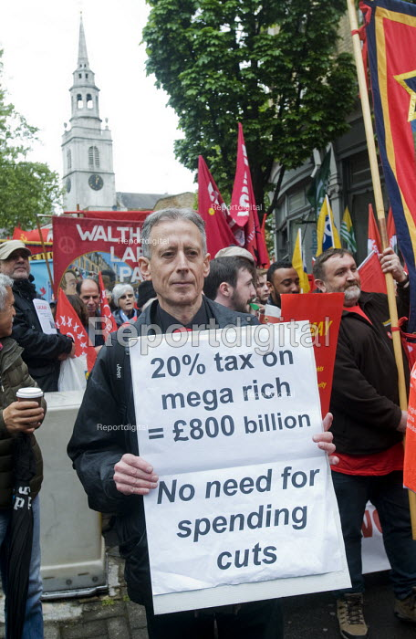 2017 May day Demonstration London Campaigner Peter Tatchell on the march - Stefano Cagnoni - 2017-05-01