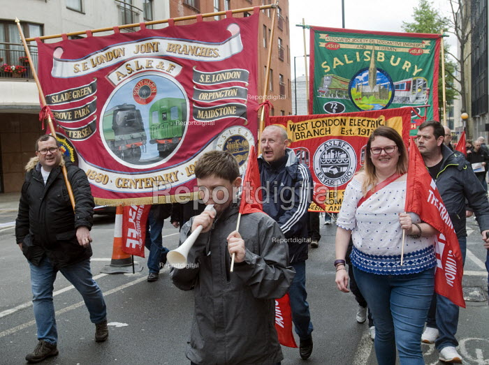 2017 May day Demonstration London ASLEF members on the march - Stefano Cagnoni - 2017-05-01