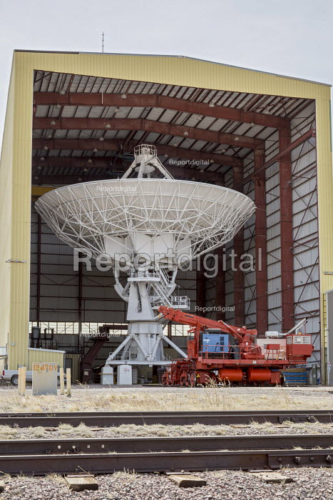 Datil, New Mexico, USA Antenna Assembly Building at the Very Large Array radio telescope astronomical radio observatory. The 27 large dish antennas on the Plains of San Agustin are part of the National Radio Astronomy Observatory, searching for life on other planets - Jim West - 2017-04-11