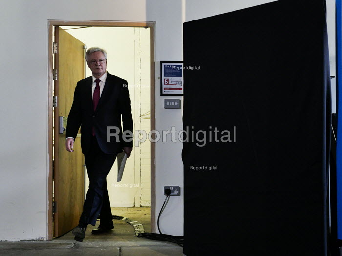 David Davis, Conservatives manifesto launch, Dean Clough Mills, Halifax, Yorkshire, 2017 General Election campaign - Mark Pinder - 2017-05-18