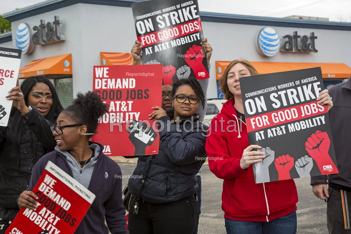 Roseville, Michigan, USA Forty thousand workers at AT&T Mobility began a three day strike over Jobs as the company wants to outsource jobs overseas - Jim West - 2017-05-19