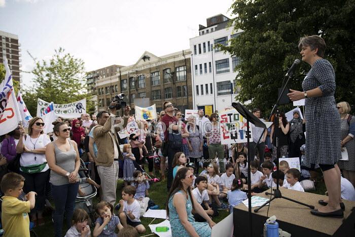 Kiri Tunks NUT speaking, The Big School Assembly against education cuts, Mile End Park, Tower Hamlets, East London - Jess Hurd - 2017-05-24