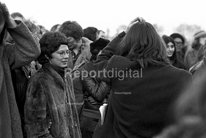 Angela Weir, now Angela Mason OBE, protest at Wormwood Scrubs Prison 1972 in support of 4 members of the Angry Brigade sentenced to 10 years in jail for Conspiring to cause explosions likely to endanger life or cause serious injury to property. Several , including Angela Weir, were acquitted. London - NLA - 1972-12-16