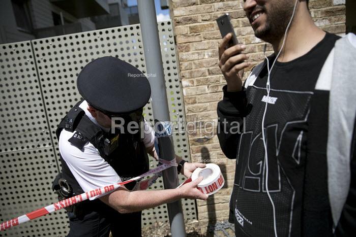 Barking raid after the terrorist attacks on London Bridge and Borough Market. Newham, East London - Jess Hurd - 2017-06-04
