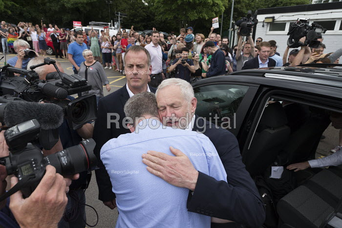 Jeremy Corbyn and PPC Greg Marshall, Labour Party general election rally, Beeston, Nottingham - John Harris - 2017-06-03