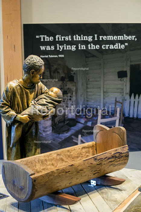 Church Creek, Maryland, USA Sculpture of Harriet Tubman, Harriet Tubman Underground Railroad Visitor Center, a joint project of the National Park Service and Maryland Park Service. Tubman escaped slavery in this area in 1849 but returned repeatedly to help other slaves flee - Jim West - 2017-06-09