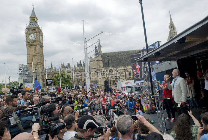 Jeremy Corbyn speaking, rally in Parliament Square. Not One Day More protest demanding the Tory Government go and an end to austerity policies - Stefano Cagnoni - 2017-07-01
