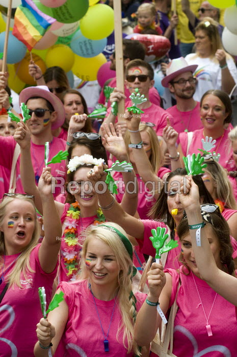 Pride 2017. Gay Pride celebration and march London, Alzheimers Society - Stefano Cagnoni - 2017-07-08