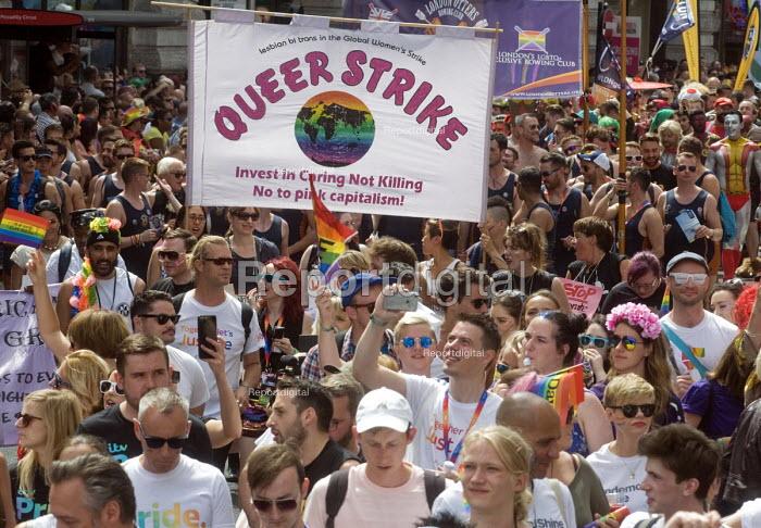 Pride 2017. Gay Pride celebration and march London. Queer Strike - Stefano Cagnoni - 2017-07-08