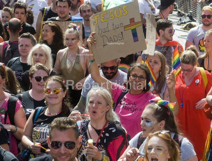 Pride 2017. LGBTQ for Corbyn supporters at Gay Pride celebration and march London - Stefano Cagnoni - 2017-07-08