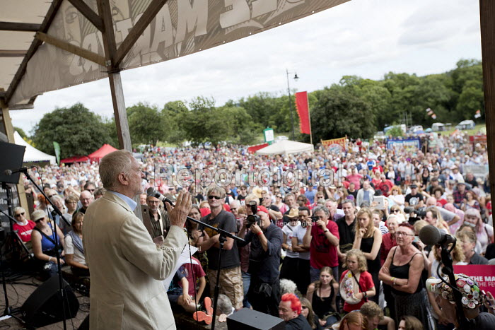 Jeremy Corbyn speaking Tolpuddle Martyrs Festival, Dorset. - Jess Hurd - 2017-07-28