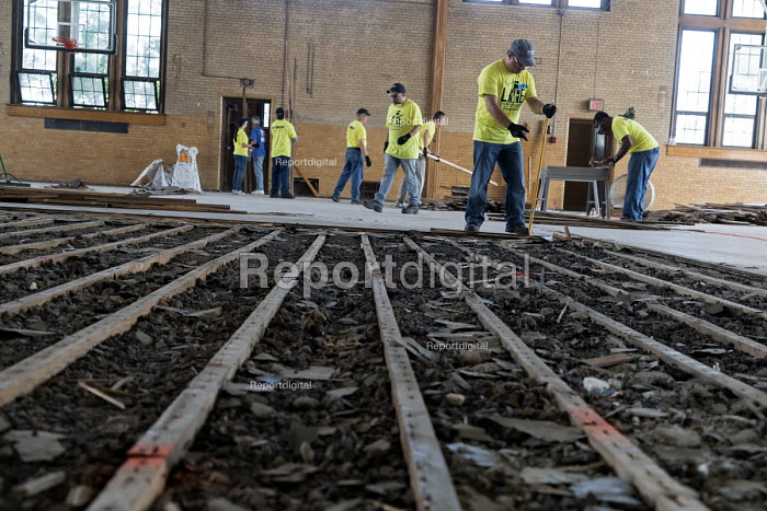 Detroit, Michigan, USA Volunteers in a community improvement project called Life Remodeled renovating the old Durfee school building for a new community center - Jim West - 2017-08-01